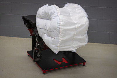 Honda today announced the development of an innovative new passenger front airbag technology designed to better protect occupants in a wide range of frontal collision scenarios, including angled crashes between vehicles or a vehicle and another object. Honda plans to begin applying its advanced airbag design to new products in the United States in 2020.